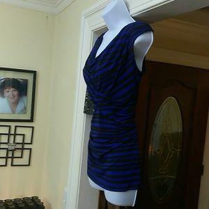 Vince Camuto ladies sleeveless blouse